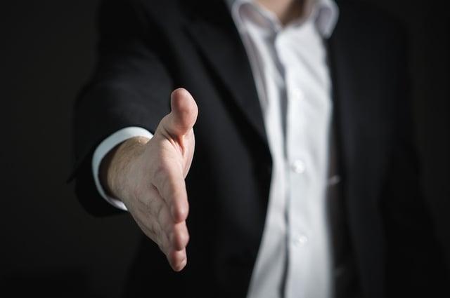 b1-Hand-Handshake-Man-Giving-Business-Give-Offer-2056023.jpg
