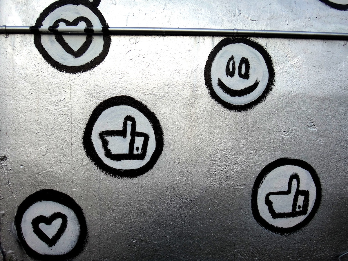 8 Likes Alternatives: How does Social network Elite compare to 8 Likes?